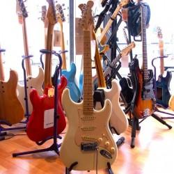 G&L Legacy USA Custom Shop melodymusic.fr